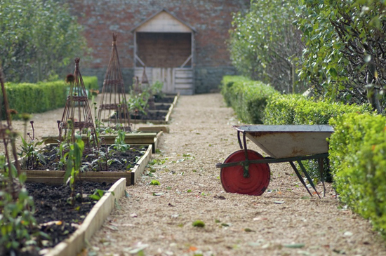 honey-kennedy-babington-house-walled-garden-04