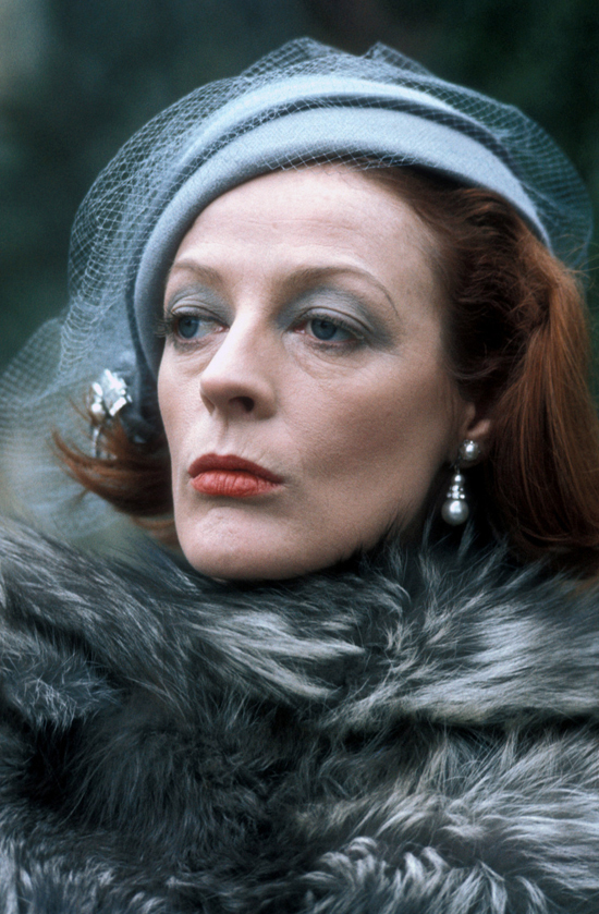 honey-kennedy-maggie-smith-the-millionairess-01