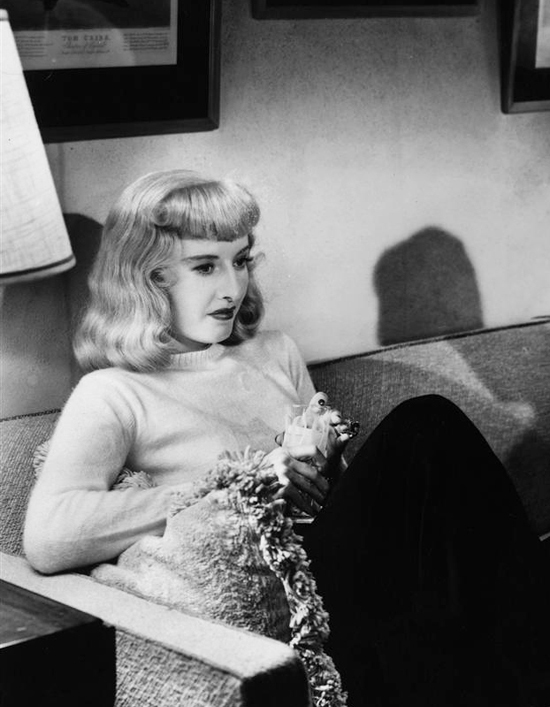 honey-kennedy-barbara-stanwyck-double-indemnity