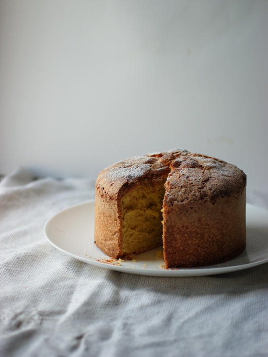 honey-kennedy-poires-au-chocolat-old-fashioned-sponge-cake