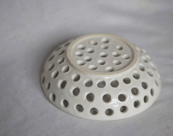 honey-kennedy-helen-levi-ceramics-colander