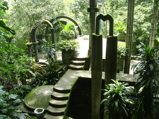 honey-kennedy-las-pozas-04