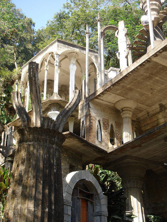 honey-kennedy-las-pozas-photo-by-lucy-nieto-01