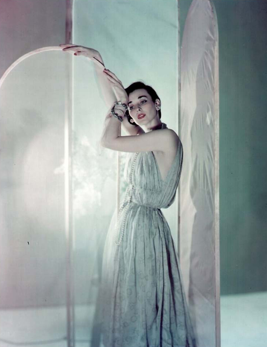 honey-kennedy-dorian-leigh-photo-by-cecil-beaton-vogue-1950