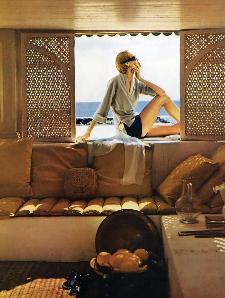honey-kennedy-harpers-bazaar-june-1950-tunisia-by-louise-dahl-wolfe-03