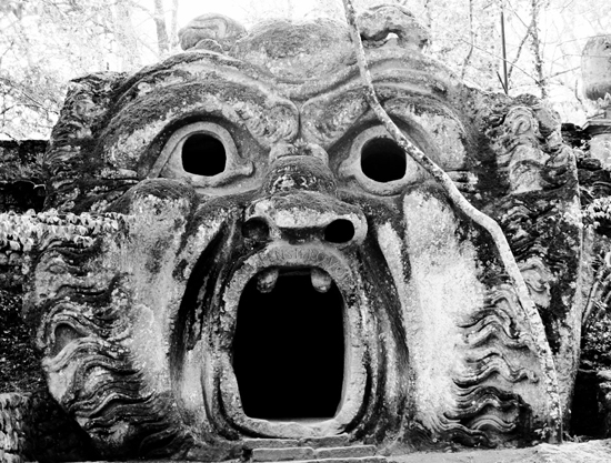honey-kennedy-bomarzo-gardens-photo-by-carlotta-manaigo-01
