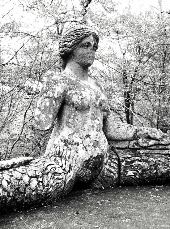 honey-kennedy-bomarzo-gardens-photo-by-carlotta-manaigo-02