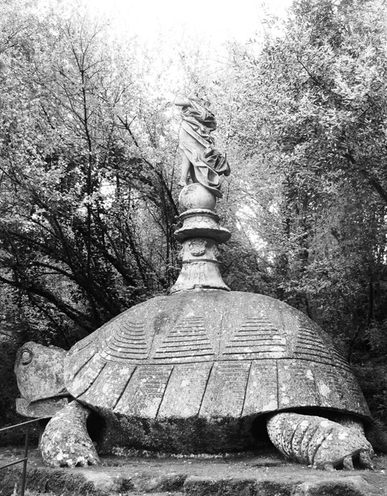 honey-kennedy-bomarzo-gardens-photo-by-carlotta-manaigo-06