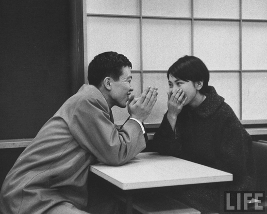 honey-kennedy-coffe-house-date-tokyo-march-1959-john-dominis