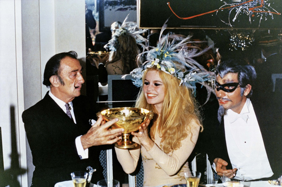 honey-kennedy-salvador-dali-brigitte-bardot-gunter-sachs