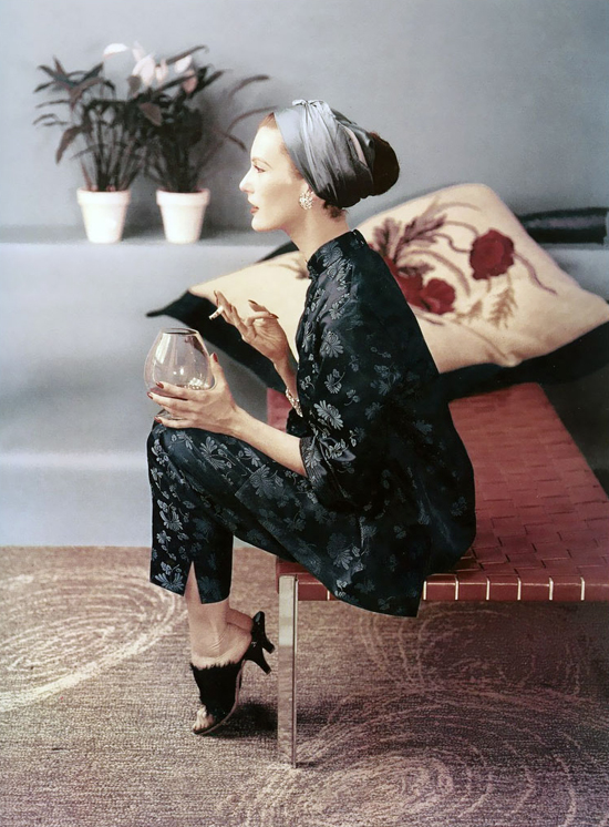 honey-kennedy-john-rawlings-mary-jane-russell-in-chinese-silk-pajamas-vogue-december-1953