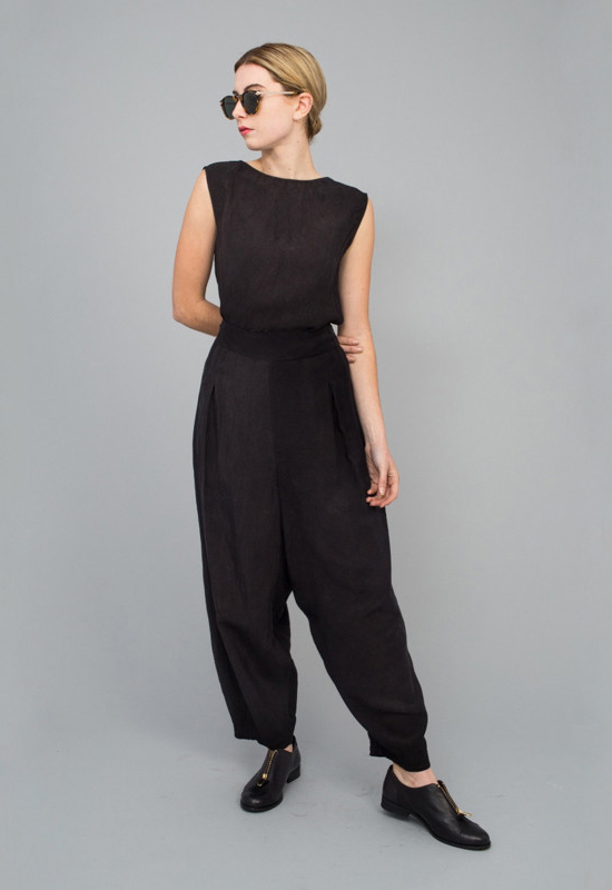 honey-kennedy-tenoversix-jesse-kamm-parachute-pants-black