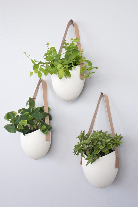 honey-kennedy-light-and-ladder-farrah-sit-leather-planters-02