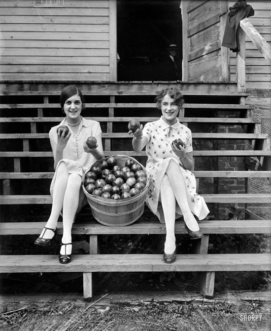 honey-kennedy-vintage-apple-sauce-girls-1927-washington-dc