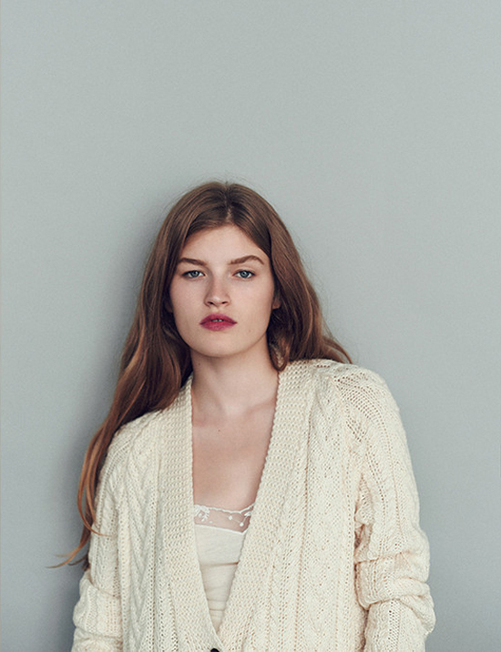 honey-kennedy-and-daughter-01-aran-cardigan-ecru
