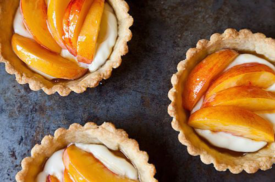 honey-kennedy-lovely-things-2-14-fresh-peach-tartlets-recipe