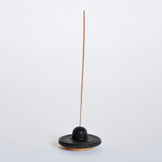 honey-kennedy-incense-burner-black-10-over-six-08