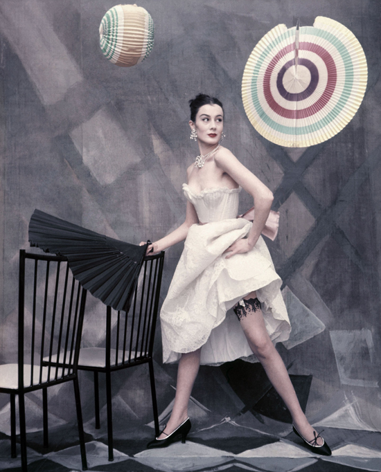 honey-kennedy-jacques-fath-collection-vogue-may-1954-by-henry-clarke