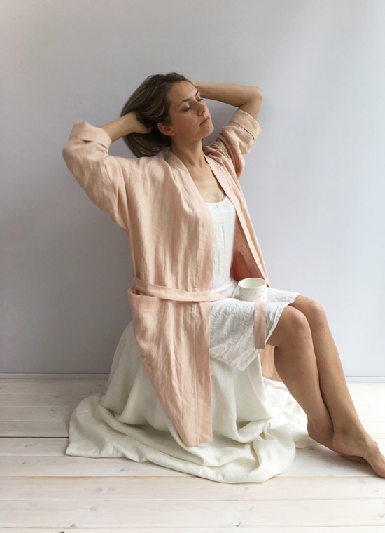 honey-kennedy-linen-bees-sleepwear-01