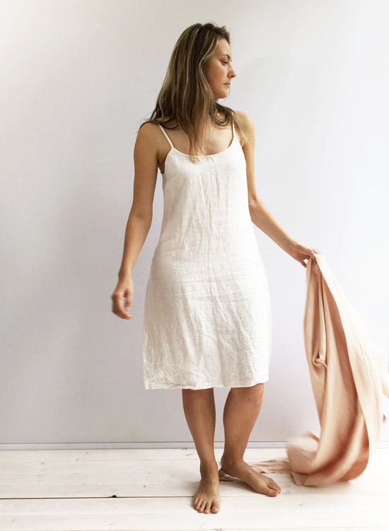 honey-kennedy-linen-bees-sleepwear-02