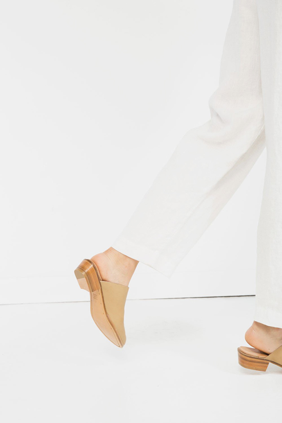honey-kennedy-elizabeth-suzann-the-structured-mule-02