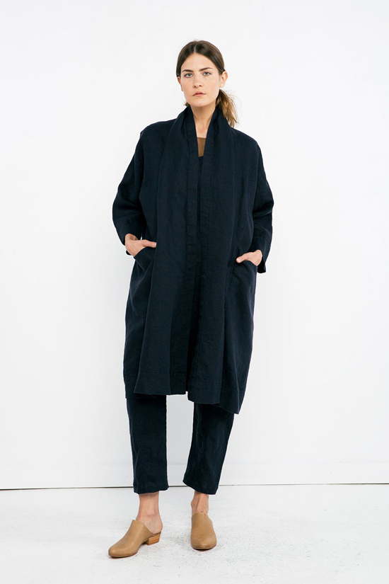 honey-kennedy-lovely-things-09-14-02-elizabeth-suzann-clyde-linen-trench-navy
