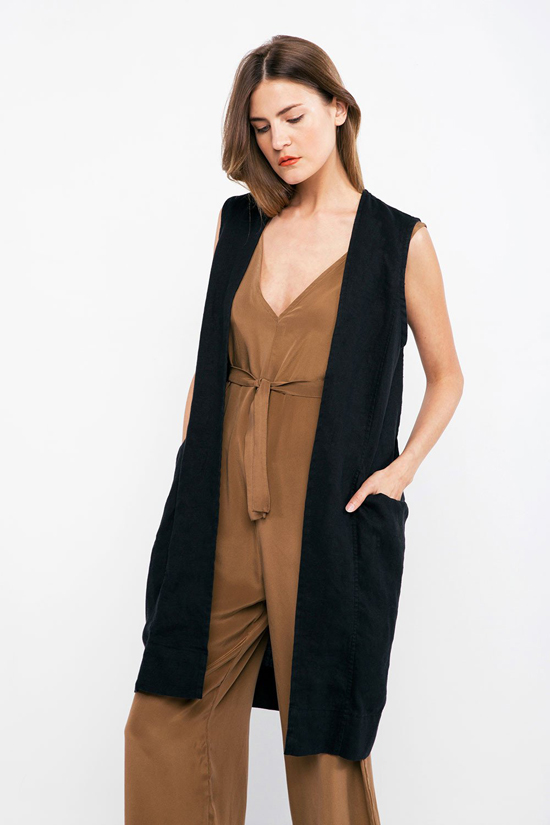 honey-kennedy-lovely-things-09-15-elizabeth-suzann-clyde-linen-vest-black