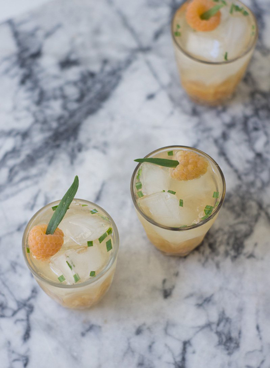 honey-kennedy-summer-drinks-11-quitokeeto-GOLDEN-RASPBERRY-LILLET-COCKTAIL